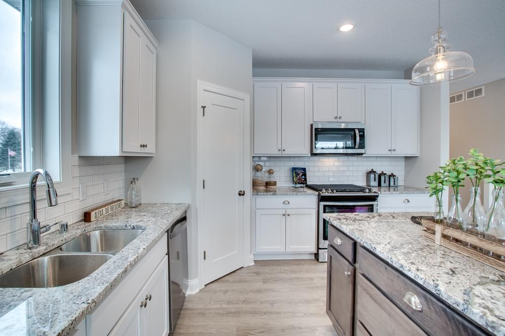 3br New Home in Oak Park Heights, MN