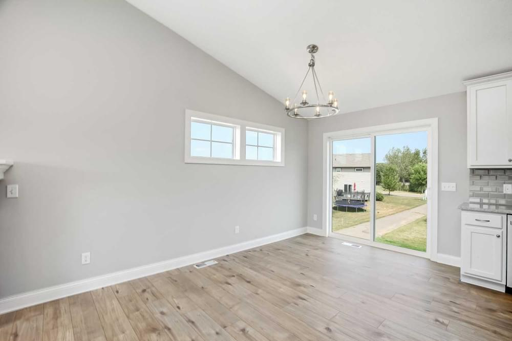 1,820sf New Home in River Falls, WI