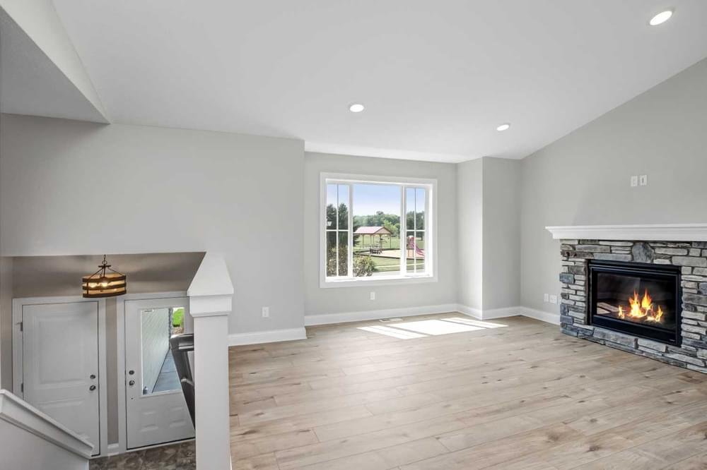4br New Home in River Falls, WI