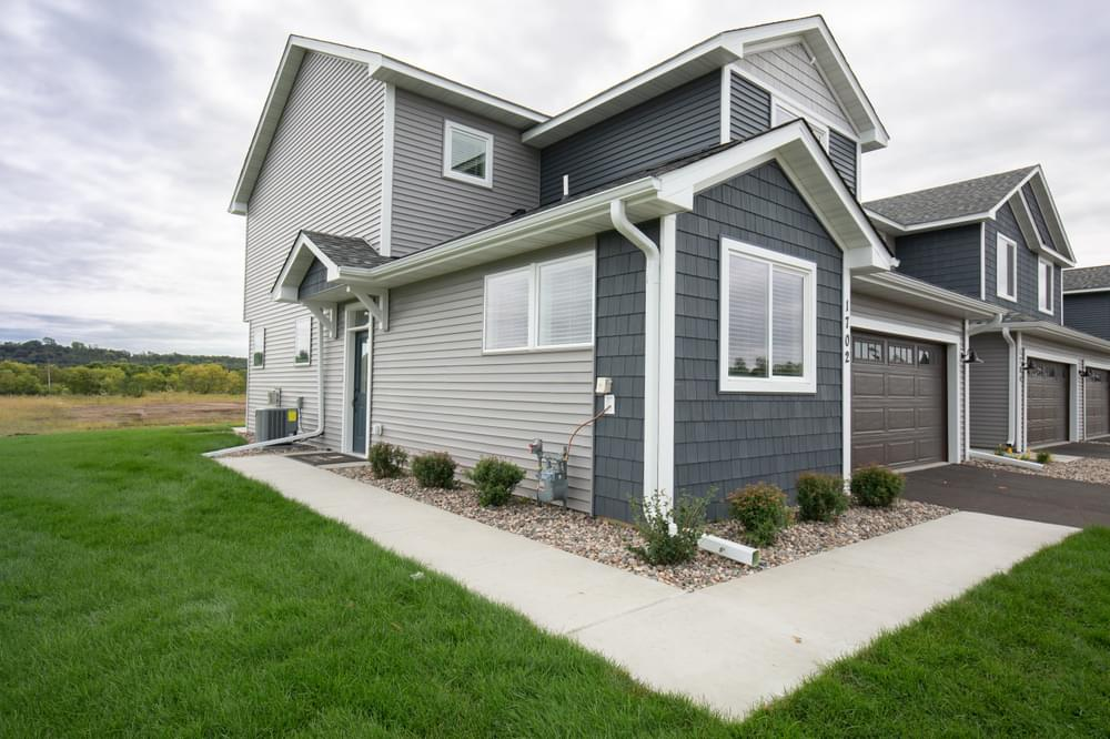 1723 Southpoint Dr, Hudson, WI