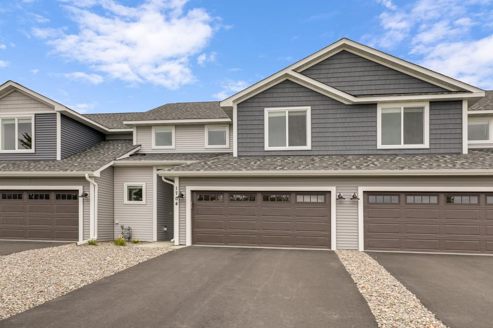 1715 Southpoint Dr, Hudson, WI