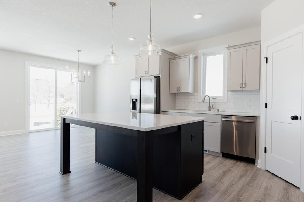 3br New Home in Woodbury, MN