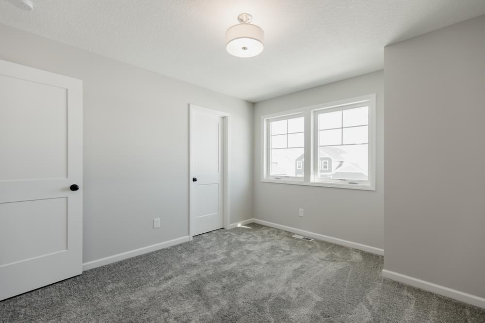 4br New Home in Woodbury, MN