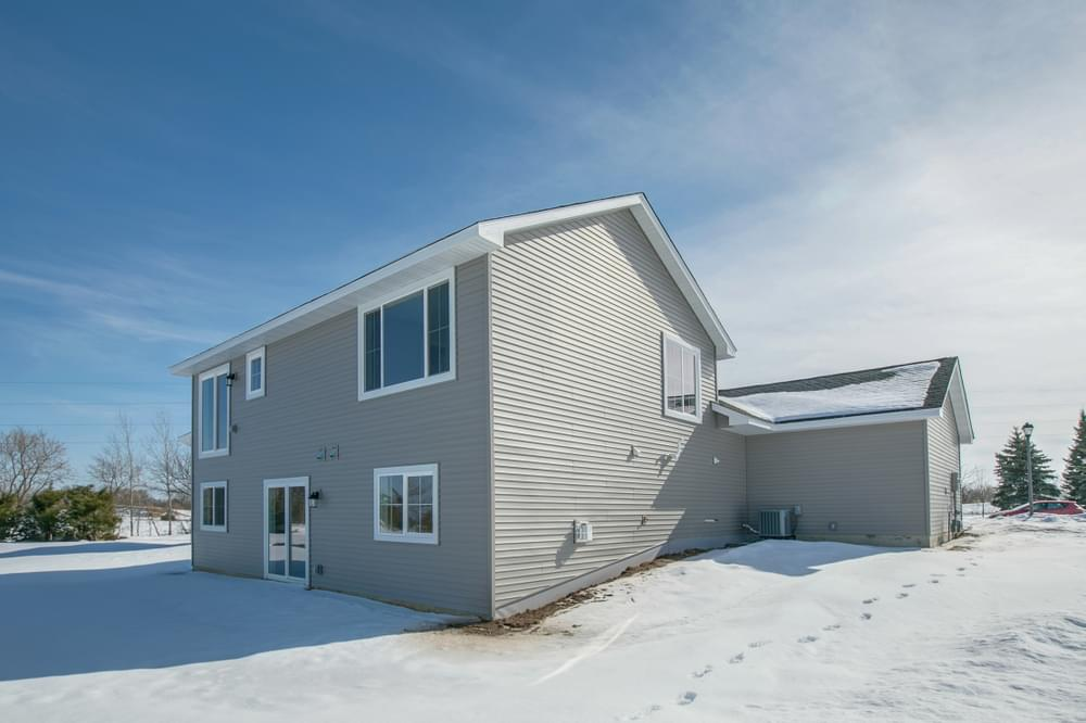1,120sf New Home in River Falls, WI